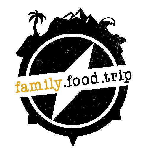 familyfoodtrip • Was gibt`s heute? Essen und Reisen zu 4 Logo